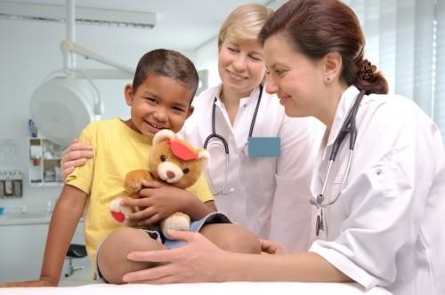 6 maneiras de alegrar uma criança internada 1