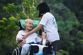 como ajudar um lar de idosos
